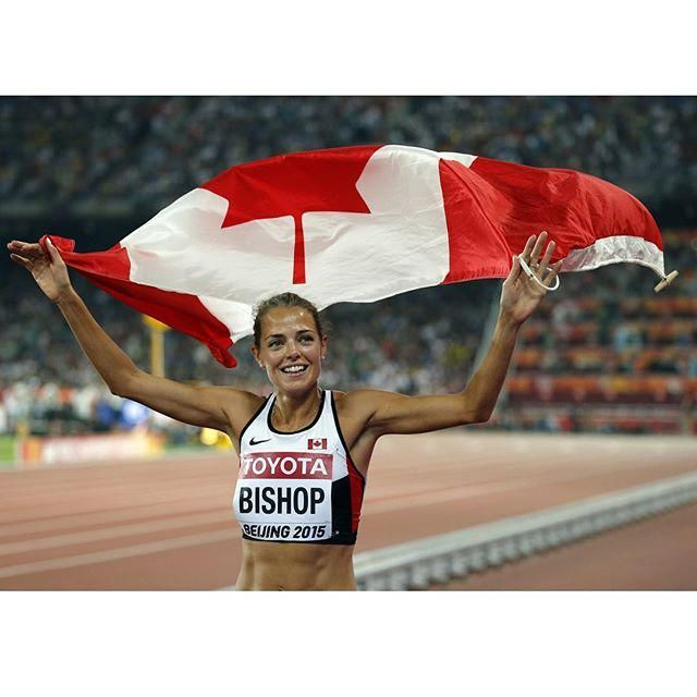 #Beijing2015 Melissa Bishop celebrates her second place finish in the women's 800 m final (via TO Star)