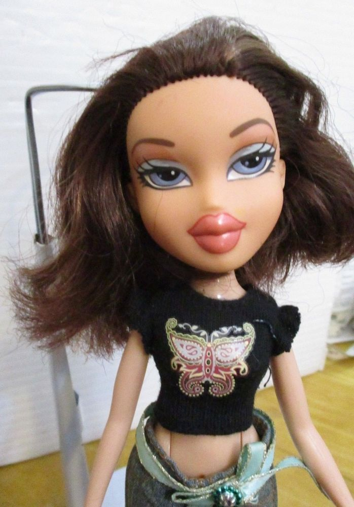 Bratz Doll Short Brown Hair Jeans High Heel Shoes T Shirt Short Brown Hair Black Bratz Doll Bratz Doll
