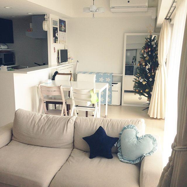 女性で、3LDKのマンション/横長リビング/クリスマス/クリスマスツリー/すっきりとした暮らし/ナチュラル…などについてのインテリア実例を紹介。(この写真は 2015-11-11 20:05:05 に共有されました)
