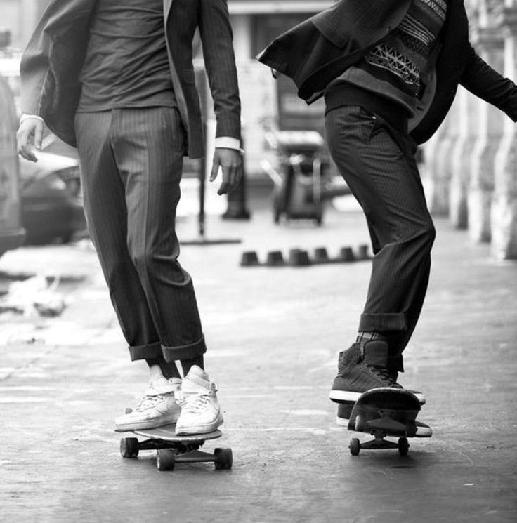 #carolinetakvorian #créatrice #design #création #lyonnaise #designer #robedemariée #robe #mariée #marié #mariage #surmesure #lyon #paris #photo #mode #fashion #rétro #vintage #bohème #tendance #trends #contemporain #hautecouture #couture #élégante #lifestyle #vie #style #trip #chill #healthy #artdevivre #cocooning #sport #voyage #travel #skate #man #men #homme #chill #amitié #ensemble #loisir #fun #joie #heureux #deux #baskets #shoes #chaussures #classe #nb #noiretblanc