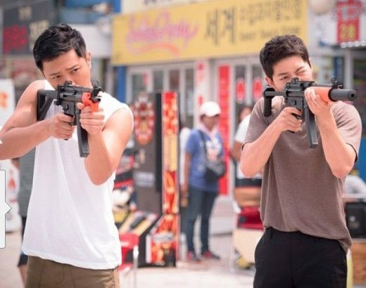 Song Joong Ki and Jin Goo | Descendants of the Sun