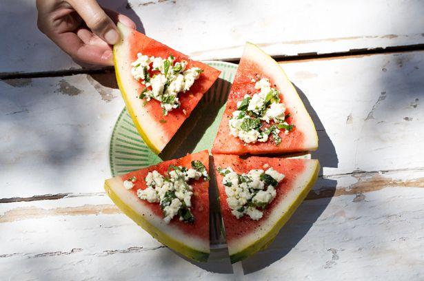 """Wassermelonen-""""Pizza"""" mit Minzfeta"""