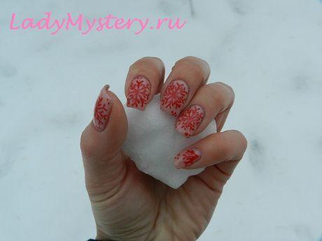 Как нарисовать классчическую снежинку на ногтях? Подробный фото мастер-класс.  Дизайн ногтей, нейл арт для нового года, новогодний дизайн ногтей, снежинка на ногтях, маникюр, новогодний маникюр, красивые руки