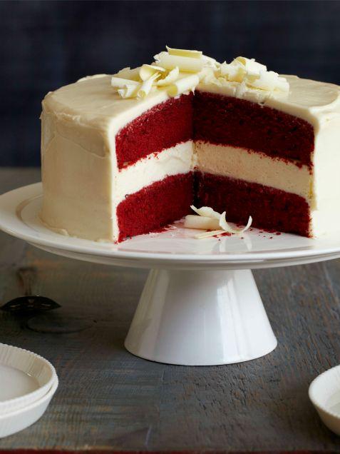Red Velvet-Cheesecake Cake