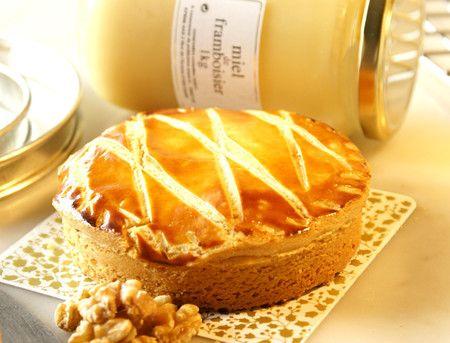 フランボワーズの蜂蜜とクルミとキャラメルの極上タルト エンガディナー