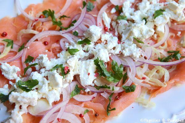 Salade de saumon à la féta, fenouil et oignons rouge