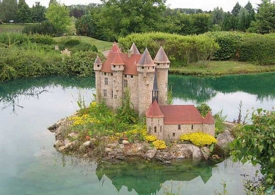 Something I'd dearly love to have in my backyard pond - Miniature France is a park filled with miniature reproductions, located in the Élancourt area, near Paris.