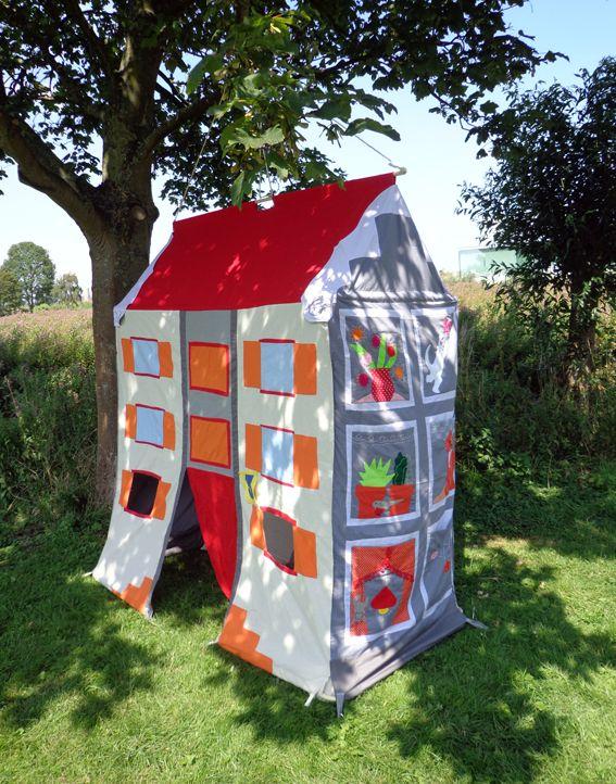 Pakhuis, speeltent gemaakt door Hanging Houses voor het Bollekesfeest in Antwerpen /  Warehouse ,play tent by Hanging Houses for Bollekesfeest in Antwerp http://shop.hanginghouses.com