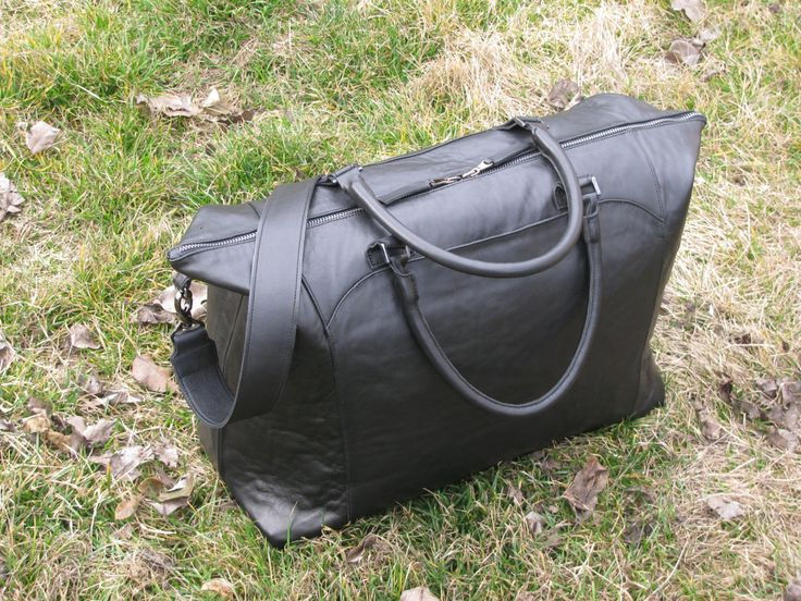 Black leather travel bag for women man. Middle size leather bag. Black handbag. Leather Valise. Weekend bag. Leather Gym bag. Travel luggage (249.68 USD) by Viffi