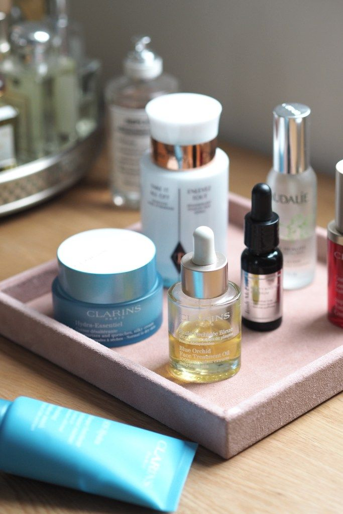 Fancy taking a look at some of my current skincare favourites? I've definitely fallen off the wagon when it comes to testing out new products over the last year which means these really are the 'tried and tested' ones that I love and work for me. Prepare yourself, it's very Clarins heavy!
