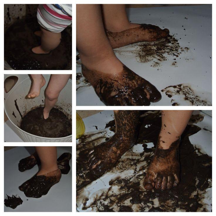 Voetenbad met modder.