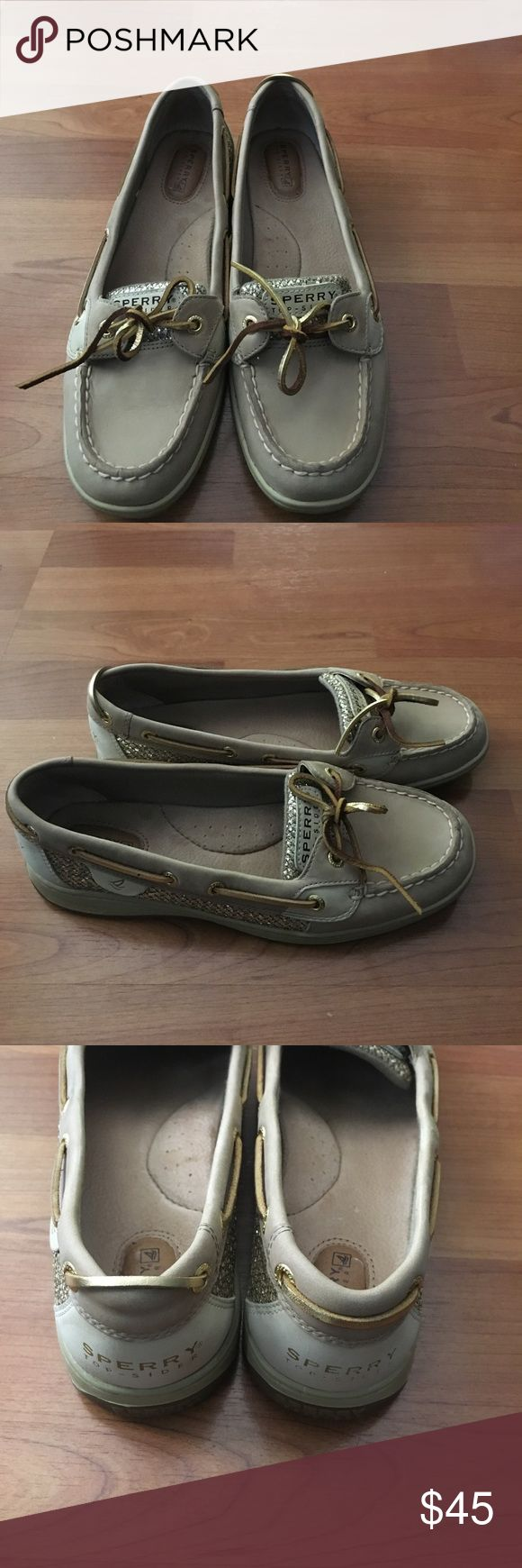 Women's Sperry Top Sided Shoes Size 9 New No Box New no box Sperry Top sided Shoes Size 9 sides has glitter style. Light brown color Sperry Top-Sider Shoes