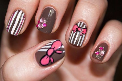 very easy thanksgiving holiday nail fine art styles - http://coolnaildesignsz.com/easy-thanksgiving-nail-art-designs-2/