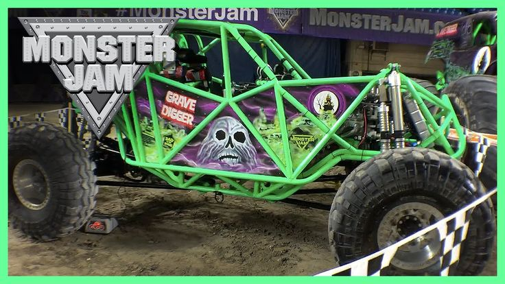 MONSTER JAM 2016 Featuring Hot Wheels MONSTER TRUCKS Grave Digger, Zombi...