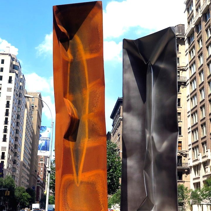 Ewerdt Hilgemanns Implosion Sculptures on Manhattans Park Avenue and at Jersey Citys Mana Contemporary