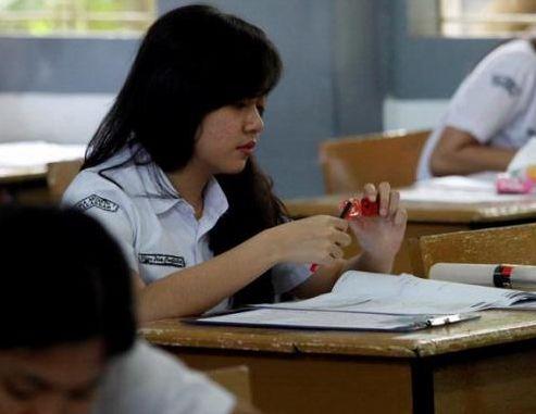 Cara Mengatasi Kecurangan Saat Ujian  http://www.matapelajaran.org/2015/12/cara-mengatasi-kecurangan-saat-ujian.html