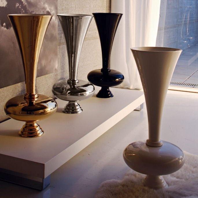 Vaso Tromba in ceramica by Adriani & Rossi http://www.keihome.it/giorno/piccoli-complementi/tromba-adriani-e-rossi/1994/