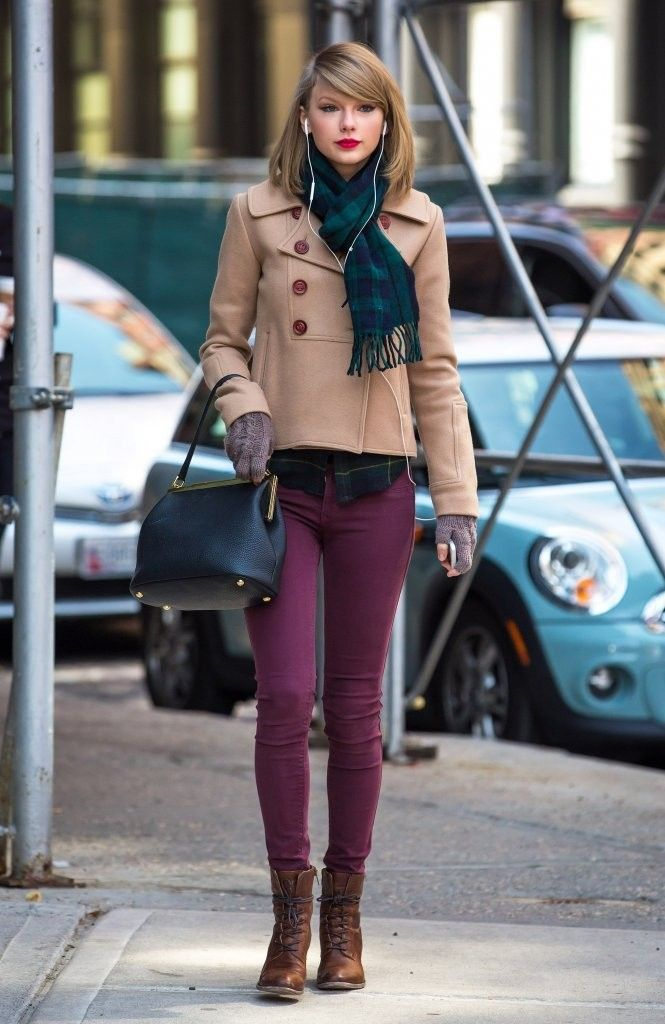 Taylor Swift looked gorgeous while strolling and shopping in NYC. We're loving her berry denim, so cute!