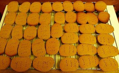 Marmite Flashback: Cheese & Marmite Biscuits