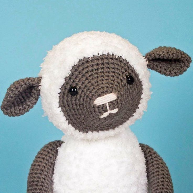 After a long day of sisters track meet Chick Fil A lunch on a Saturday (soooo many people) and blowing about a million bubbles for my boys I'm ready to cuddle up and crochet the night away! Anyone else have super awesome weekend plans?  you can find the free pattern for this sweet little lamb on the blog! #thefriendlyredfox