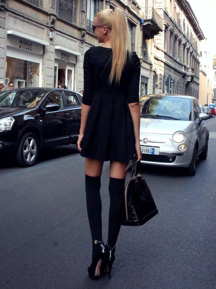 Love this outfit: American Apparel, All Black, Black Outfit, Knee Socks, Street Styles, Thighs High Socks, Kneehigh, Knee High Socks, Streetstyl