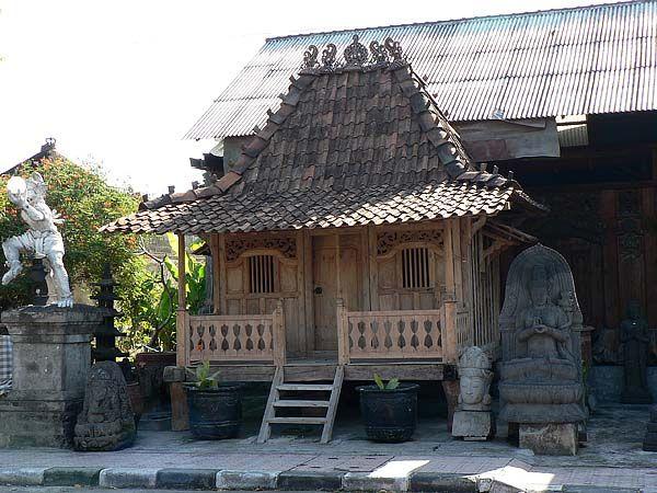 tiny javanese joglo house  http://tinyhouseblog.com/tiny-house-concept/tiny-javanese-joglo-houses/