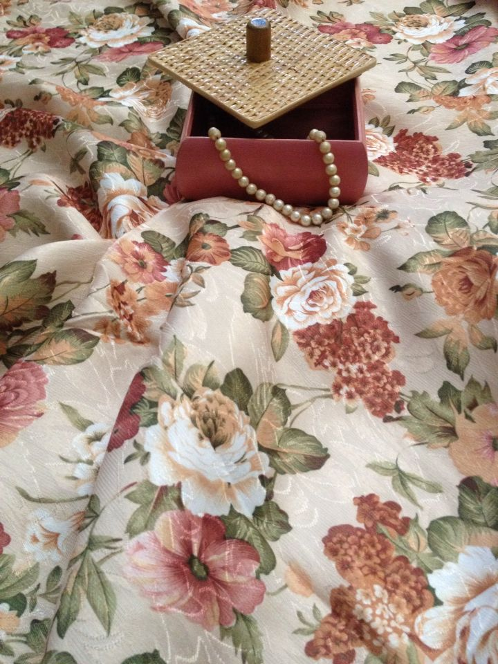 Shabby table cloth, perfect match for shabby or classic dining room