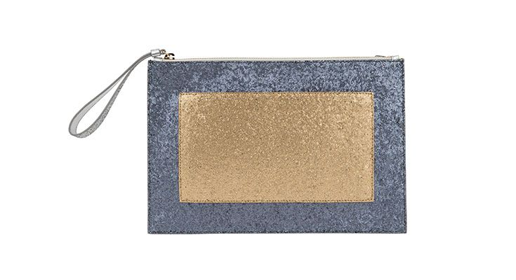 Golden, decadent and opulent - this #Pollini bag is an absolute fashion statement.