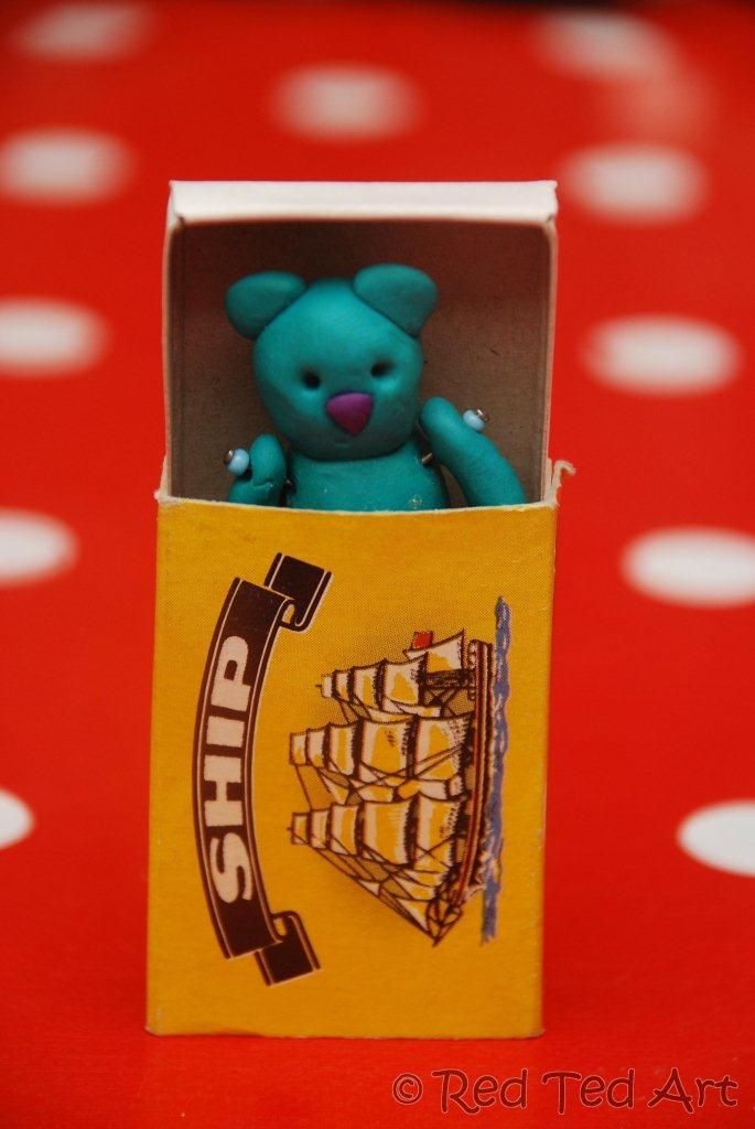 Cute! Make a teeny clay animal to fit in a matchbox. It would be fun to decorate the matchbox as well.