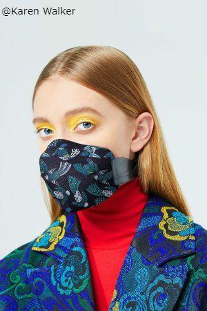 MEO + KAREN WALKER ANTI-POLLUTION MASK FASHION SERIES ニュージーランドのレディースウェアブランドKaren Walker(カレン・ウォーカー)がMEOというメーカーとコラボして作られた防塵マスクです。カレン・ウォーカーはカバー部分のデザインを担当しているわけですが、単なるお洒落マスクではなく、MEOのマスクは多重構造のフィルターと後ろで固定する為のホックが付いています。耳より下の部分で留めるので、マスクを長時間付けていて耳が痛いという事もありません。 商品には取り外し可能なカバーが3枚付いてきますので、お洗濯したり気分でカラーを変える事もできます。マスクとフィルター、カバーの他に、専用ポーチも付いてきます。サイズはS~Mまでありますので、顔回りのサイズを測ってからご注文ください。 個人輸入代行をご検討の際は、弊社にお問合せください。 http://cargts.com/script/mailform/daikou/