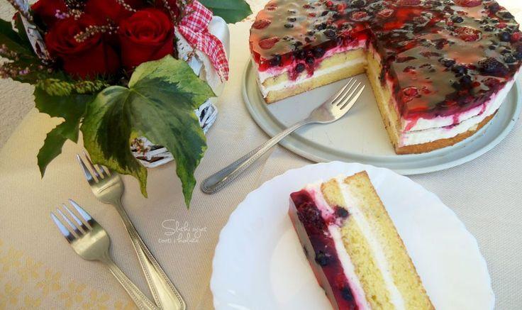Torta od mascarpone sira i šumskog voća