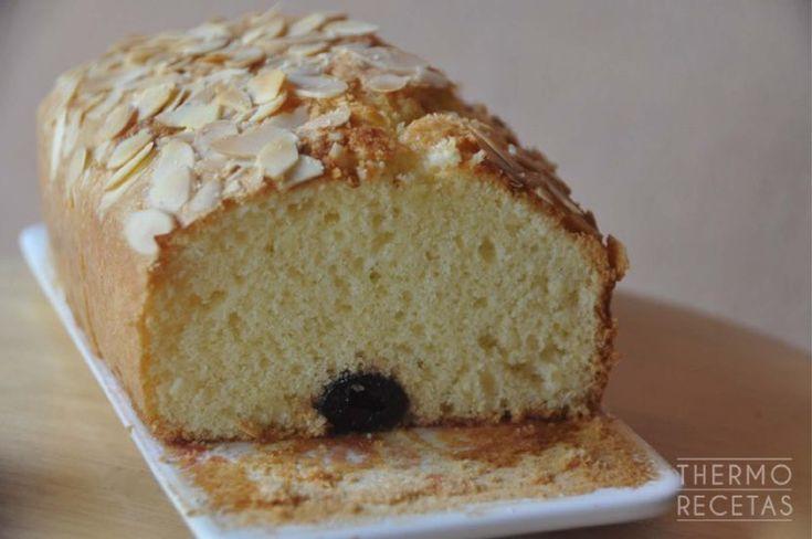 Plum cake de guindas