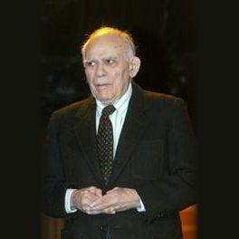 Liviu Ciulei a fost un regizor, actor, scenograf, arhitect și profesor universitar român.