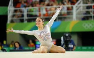 Amy Tinkler (GBR) of Britain competes