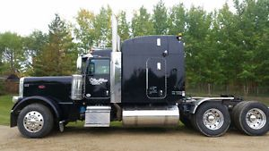 2012 Peterbilt 389 for sale by owner on Heavy Equipment Registry  http://www.heavyequipmentregistry.com/heavy-equipment/15313.htm