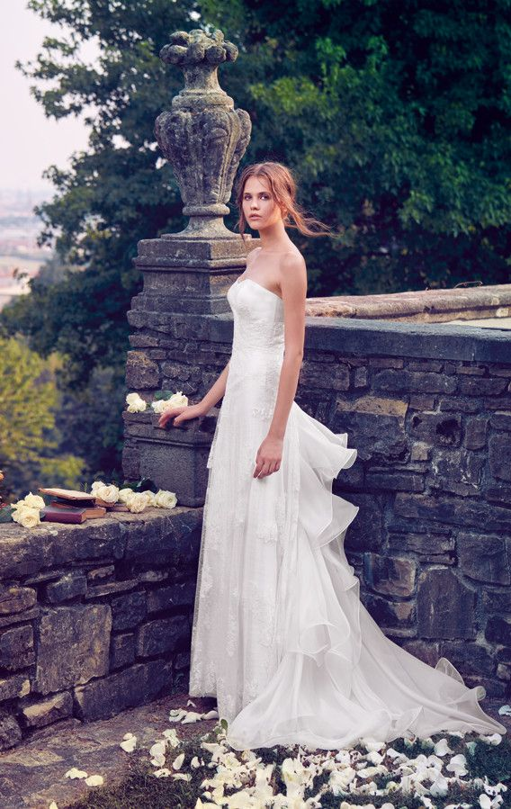 Romanticism is the key of this A-line wedding dress with sweetheart bodice, French lace and tulle skirt. Organdis train on the back adds a glamorous taste.  See Giuseppe Papini 2016 bridal collection on www.giuseppepapini.com