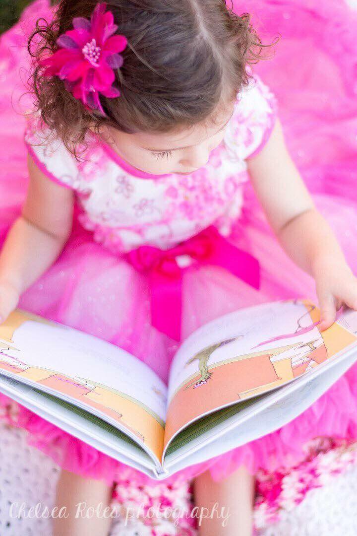 3 year old photo ideas, pink tutu, Dr. Seuss photo ideas, photo ideas with books, family photography, Surprise Arizona Photography