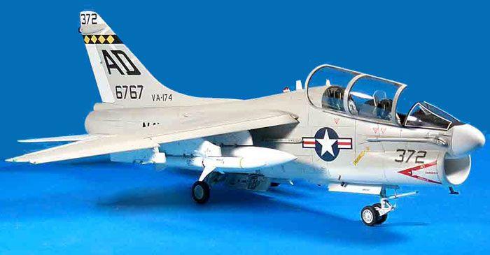TA-7C Corsair II by Frank Mitchell (Trumpeter + Scratchbuilt 1/32)