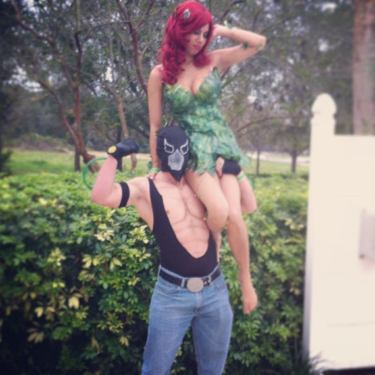 Poison ivy and Bane Cosplay! LOVE!