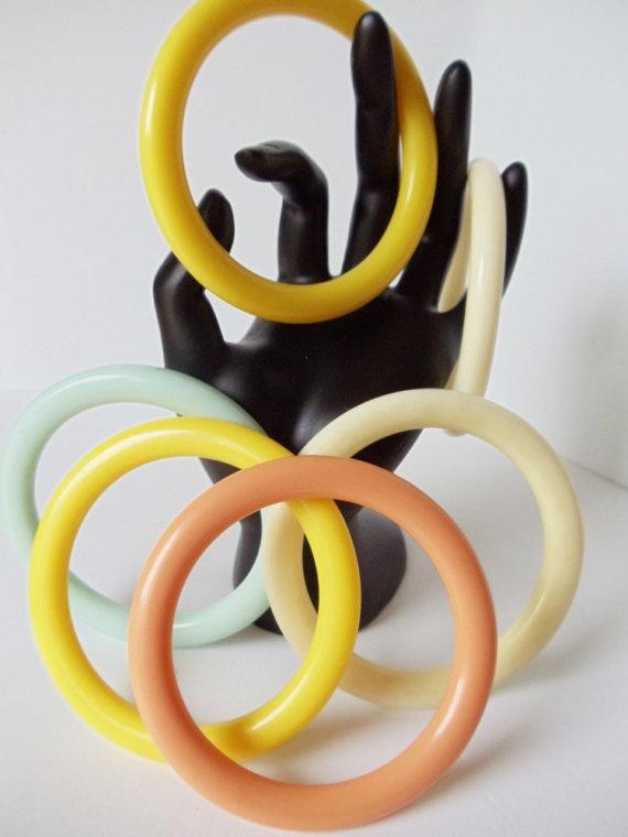 Vintage Plastic Bangles  6 Bracelets 4 Colors by simplysuzie2, $30.00Spring Bracelets, Bangles Bracelets, Plastic Bangles, Bangle Bracelets
