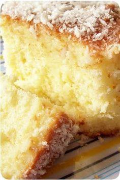 bolo de leite de coco 3 colheres - sopa - de manteiga ou margarina - 75g 2 xícaras - chá - de açúcar 3 ovos inteiros 2 xícaras - chá - de farinha de trigo integral - pode ser usada a refinada 1 vidro de leite de coco - para a massa 1 vidro de leite de coco - para a cobertura 1 pacote de coco ralado - para a cobertura 1 colher - sopa - de fermento químico em pó  preparando: pré-aquecer o forno em temperatura média - 180 graus. untar uma assadeira com manteiga e farinha de rosca. na batedeira…