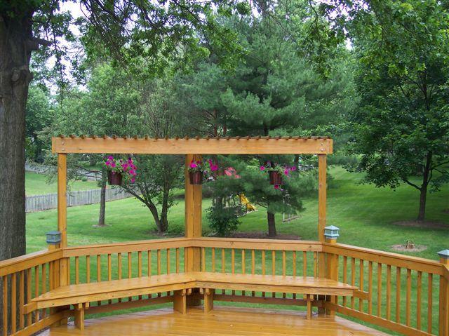 Trellis (pergola), bench and post-cap lights