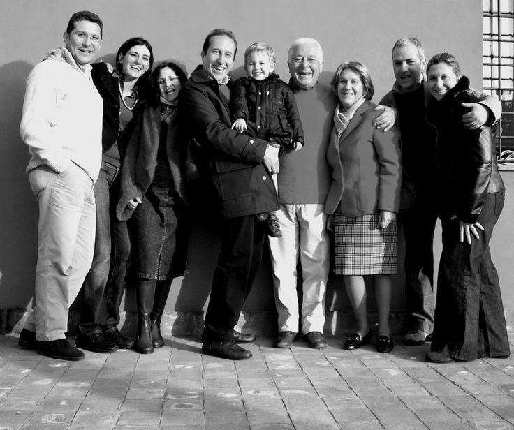 Het familiebedrijf Vini Scilio. Je kan er de biologische wijngaard bezoeken, de wijnen degusteren én er verblijven in de agriturismo. Ze bewerken onder meer de Nerello Mascalese, en hebben de 'D.O.C. Etna'-stempel. (Taal: Italiaans, Engels)
