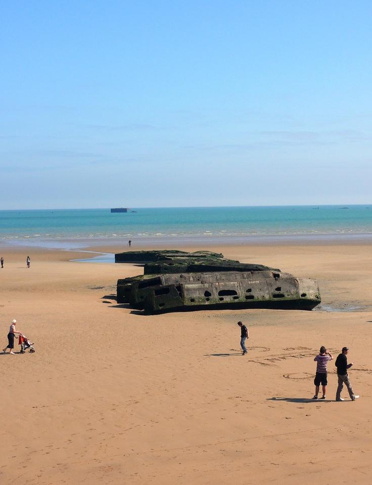 Les restes des embarcadères de la seconde guerre mondiale .. à découvrir absolument en Normandie ... www.martinaa.fr