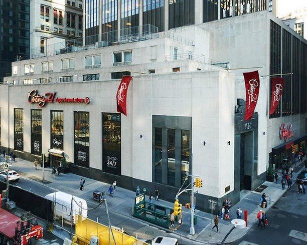 Unearth Hidden Designer Treasures At The Best Century 21 In Manhattan This Department Store Is A Milk And Honey Oasis For Every Bargain Hunter In The New York City House Styles Design