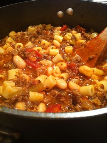 In the Kitchen with Holly: Italian Chili - sounds like a combination of classic chili and goulash.  Yum!