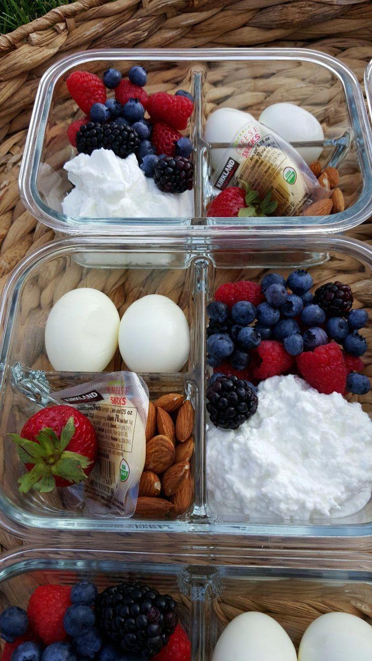 Des boîtes à bento pour le petit-déjeuner emballé avec des protéines pour d…
