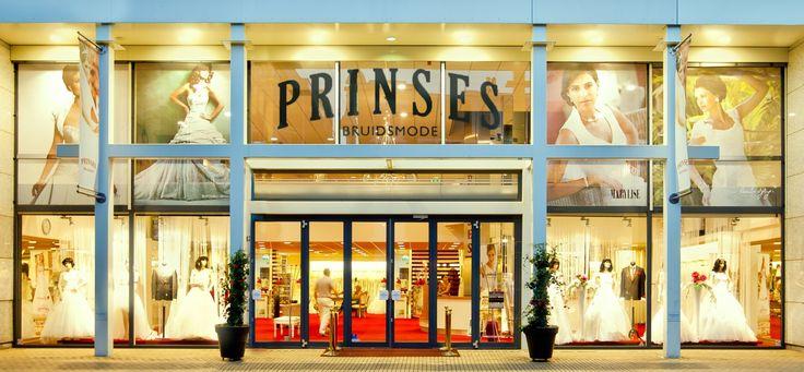 Prinses Bruidsmode | Prinses Bruidsmode is al 20 jaar gespecialiseerd in het aankleden van zowel bruiden als bruidegommen.