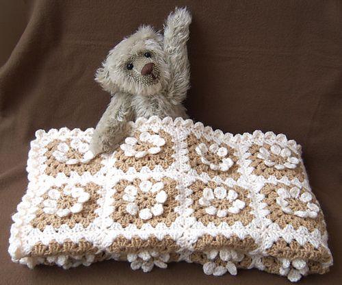 Ravelry: MaryEllen's Easy Daisy Granny Square pattern by MaryEllen: Squares Patterns, Crochet Daisies Patterns, Easy Daisies, Crochet Blankets Easy Patterns, Daisies Granny, Maryellen Easy, Granny Squares, Free Patterns, Free Crochet Patterns Daisies