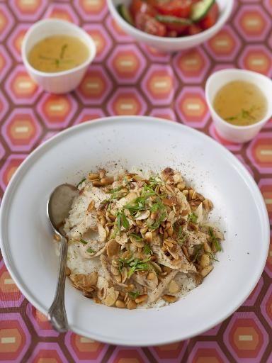 riz, citron, pain, pignon, oignon, beurre, eau, ail, amande, poulet, sel, cannelle